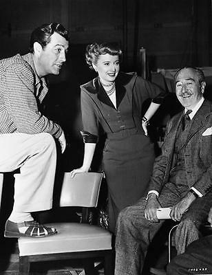 Barbara Stanwyck With Robert Taylor And A Friend    8X10 Photo 03