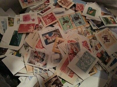 400g AUSTRALIAN STAMPS USED ON PAPER - LOT 4