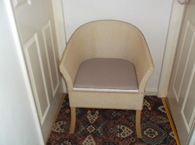 Deluxe Traditional Lloyd Loom Style Wicker Commode Chair Discreet