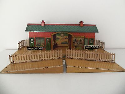 Hornby O Gauge No 3 Windsor Station with Ramps