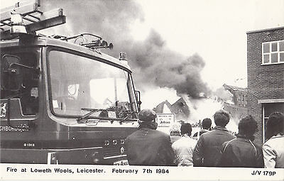 CU64. Postcard. Fire Engine. Fire at Loweth Wools. Leicester, 7 Feb. 1984