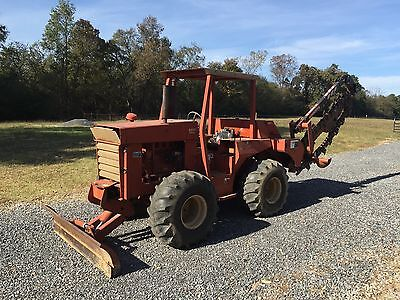 Ditch Witch 6510 - 6 way blade - 4WD - 4 Wheel Steering