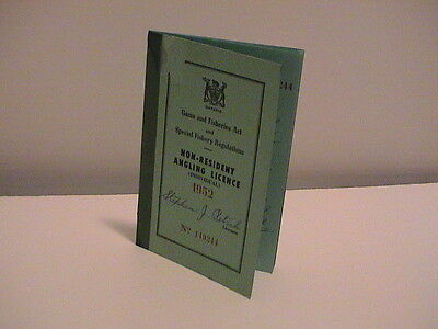 1952 Ontario Canada Natural Resources Non Resident Fishing Anglers License
