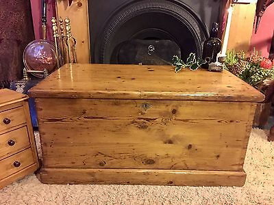 Fabulous Antique Victorian Vintage Old Pine Chest / Trunk / Blanket Box c1870