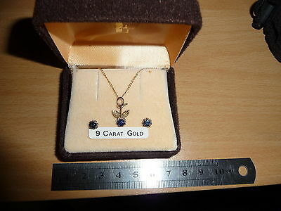 9ct Gold necklace and earings gift set