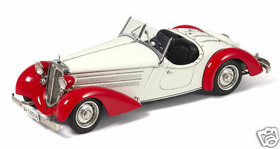 M-075C,Audi 225 Front Roadster 1935 red white,1:18, CMC