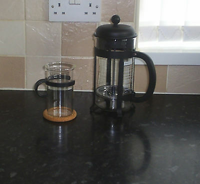 Bodum Cafetiere.  Black Handle And Top.  1L.  Plus A Mug And Coaster.