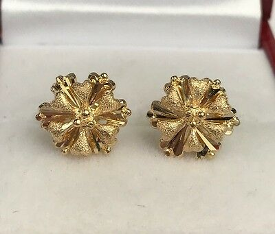 18k Solid Yellow Gold Stud Flower Earrings, Diamond Cut 2.57 Grams