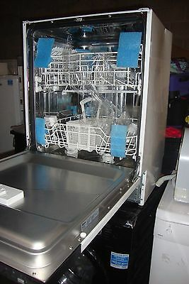 Swan 12 place integrated 60cm  SDWB7020W dishwasher-Sells-£200