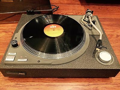 Acoustic Control HT 005 Turntable