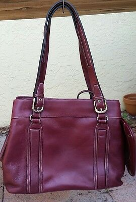 Franklin Covey Maroon Leather Purse. Perfect for work then play!!