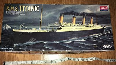 Vintage Academy Kit Model - RMS Titanic Complete