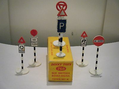 """Dinky No: 768 """"Six British Road Signs"""" (Town Set """"A"""") (Original 1950's/Boxed)"""