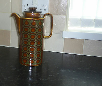HORNSEA BRONTE COFFEE POT. 2 and1/2pt CAPACITY APPROX.