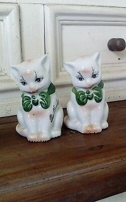 Vintage salt and pepper shakers.  Beautiful cats!