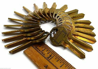 Vintage MASTER KEY BLANKS Lot of 20 UNCUT BRASS KEYS No. 17 Locks PADLOCK Rare!