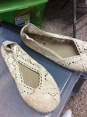 womens shoes slip on size 11