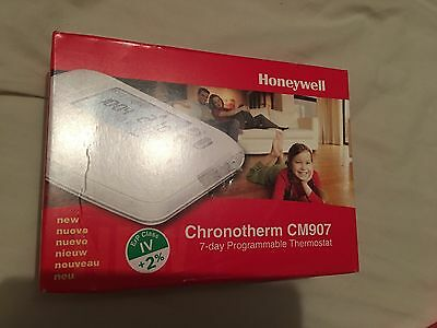 Honeywell Chronotherm CM907 7 day programmable thermostat