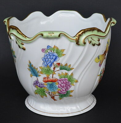 HEREND HUNGARY QUEEN VICTORIA PORCELAIN JARDINIERE/ PLANTER 16cm high #7227 (A)