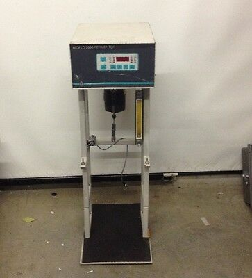 Brunswick Scientific Bioflow 2000 Fermentor