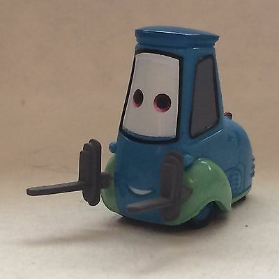 Disney Store Authentic CARS GUIDO FIGURINE Cake TOPPER PIXAR TOY Pit Stop NEW