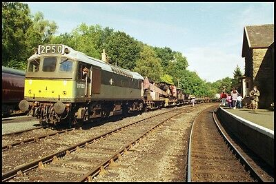 12x8 photo: 25283 D7633 at Severn Valley Railway 1998