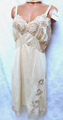 Vintage Nylon Full Slip Lingerie Nightgown NWT Aristocraft Serene Highness Lace