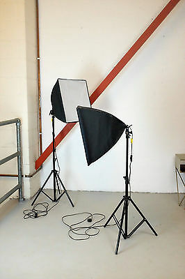 2 x Professional Daylight Softbox Light Stands with Light Bulbs