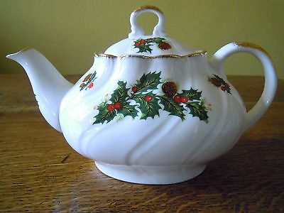 Queens Yuletide Holly & The Ivy Large Teapot&spare Lid New&unused ..beautiful!!