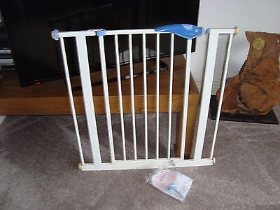 Lindam Baby Safety / Stair  Gate With Adjusters / Fixings