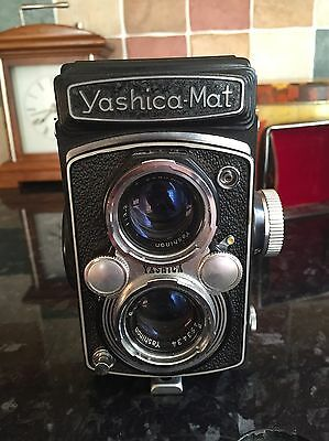 yashica mat 124G with case