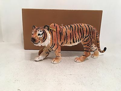 Tiger on the Prowl Out of Africa Leonardo Figurine Ornament *BRAND NEW BOXED*
