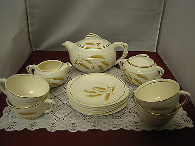 Knowles Edwin Golden Wheat Semi Vitreous China 13 pc Tea set. Made in USA