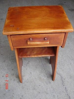 CUSHMAN COLONIAL CREATIONS SOLID MAPLE NIGHTSTAND - Mid-Century Modern