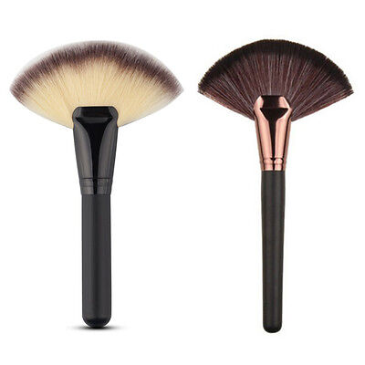 Blending Highlighter Contour Face Powder Tool Fan Shape Makeup Foundation Brush