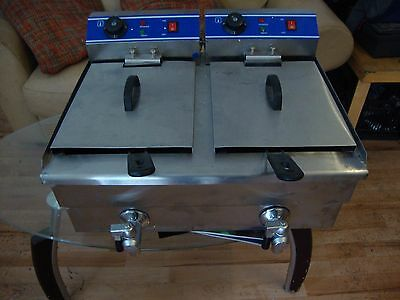 2x10L Stainless Steel Commercial Double Tank Electric Deep Fat Fryer Chip 8000W