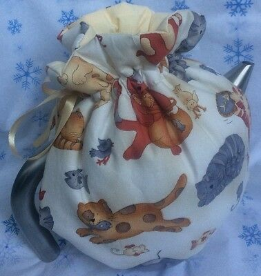 NWOT Tea cozy Cream & butter reversible cats & toys pattern 4-6cup med