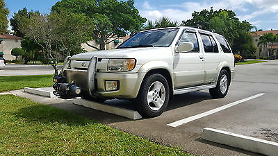 2001 Infiniti QX4 Base Sport Utility 4-Door 4wd. 2 owner. 100% made in Japan. Great shape. Nissan Pathfinder. NO ACCIDENTS.