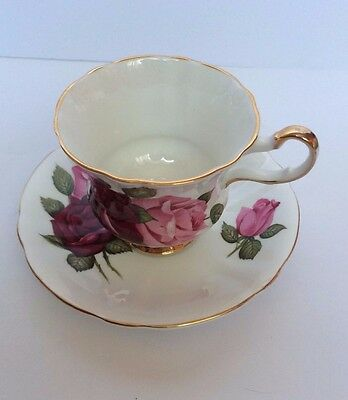 Windsor Bone China - Tea Cup & Saucer with Red & Pink Roses & Gold Trim -England