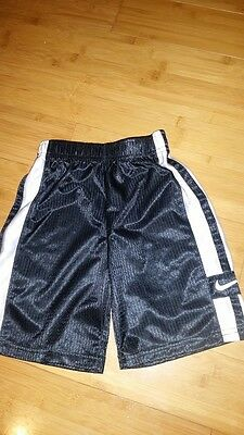 Boys Girls Kids Nike Soccer Basketball Shorts Black White Sz 4 Elastic Waist