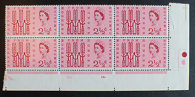 GB 1962 Freedom From Hunger (ord). 2 1/2d Cylinder Block.