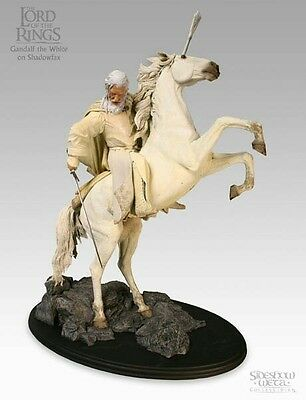 Lord of the Rings Sideshow Weta Gandalf on Shadowfax statue in box with shipper
