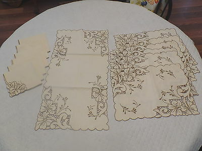 Vintage Embroidered & Cut Work Table Linens Set Runner 6 Placemats & 6 Napkins