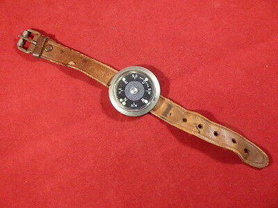 Rare Vintage Japanese Luminous Dial Wrist Compass With Strap–Magnetic Instrument