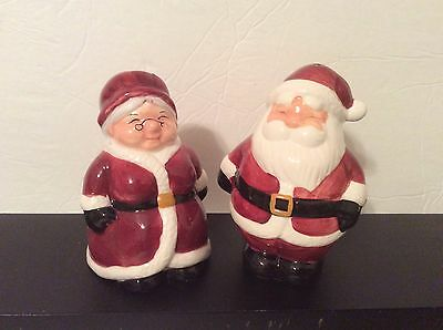 2001 Collectible Christmas Salt & Pepper Shakers, Mr & Mrs Santa Claus