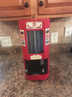 Vintage 1945 Select O Vend Coin Operated Candy Machine Penny Operated Hersheys