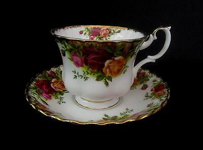 Royal Albert Old Country Roses Tea Cups & Saucers (w)