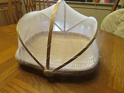 Oval Bamboo Food Holder Basket with Cover Prevent from Dust, Insects