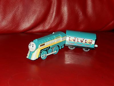 tomy trackmaster thomas the tank engine battery train connor and coach