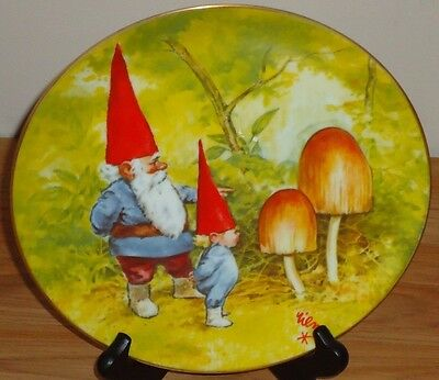 GNOME KNOWLEDGE by Rien Poortvliet PLATE Gnomes 4 Seasons....Spring